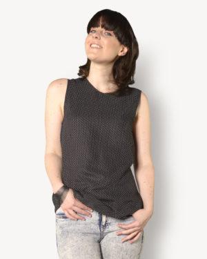 une image du patron de couture sur mesure du top femme ou haut été droite et fluide en col rond sans manche. Ce patron est simple à coudre pour les débutants en couture.